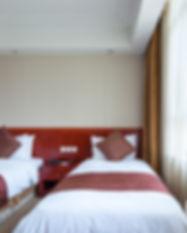 hotel-room-P8NCR59.jpg