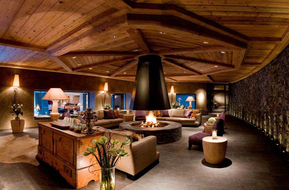 Spa Lounge.jpg