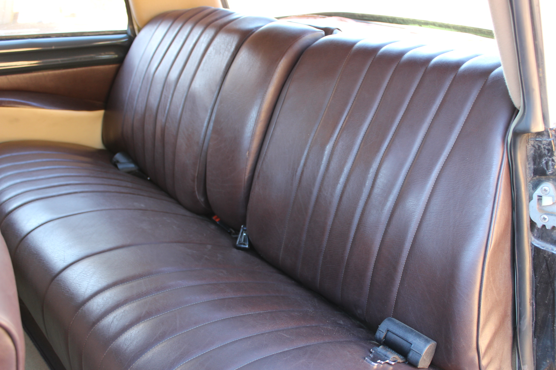 1970 Citroen DS21 - Interior Back