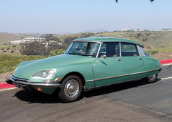 1972_Green_Citroen_DS21_Side