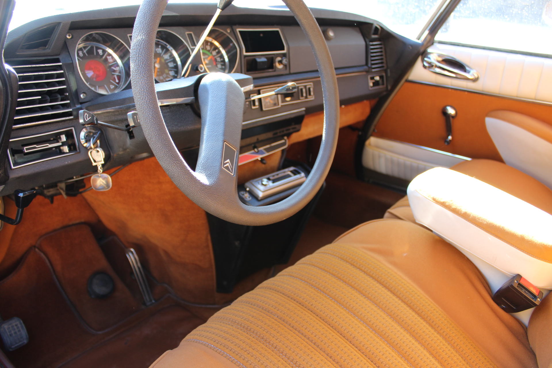 1974 Citroen DS20 - Dash