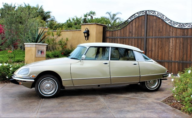 1972 Citroen DS21 Pallas - Side