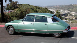 1972_Green_Citroen_DS21_Back