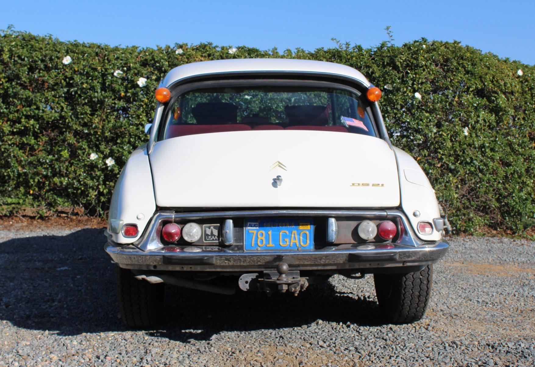1972 White Citroen DS21 - Back