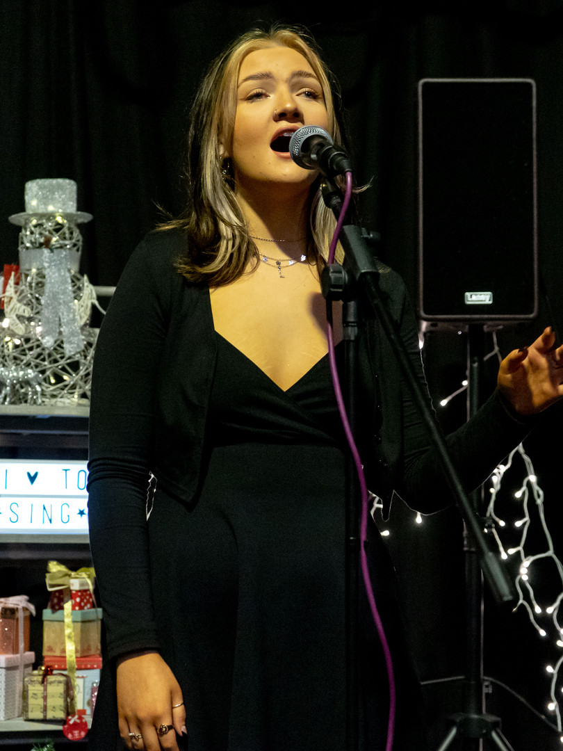 LA Singing Tution Student