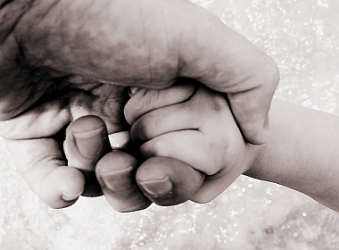 20070719-fathers-hands