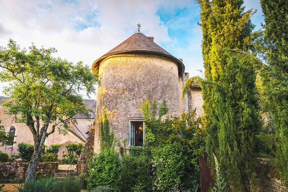 A romantic Tower for a Perfect Getaway in France