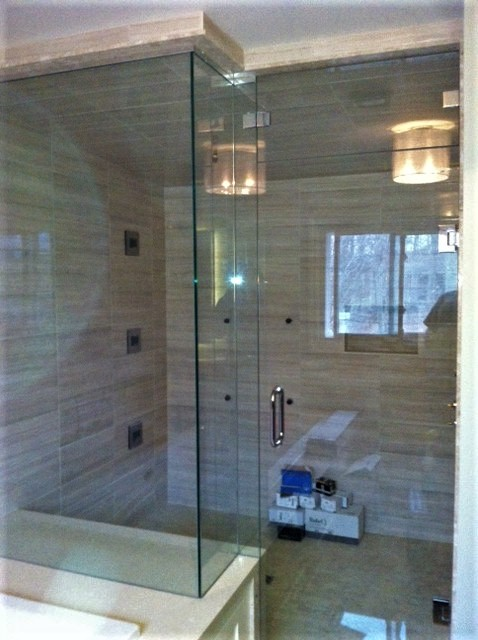Irregular steam glass shower