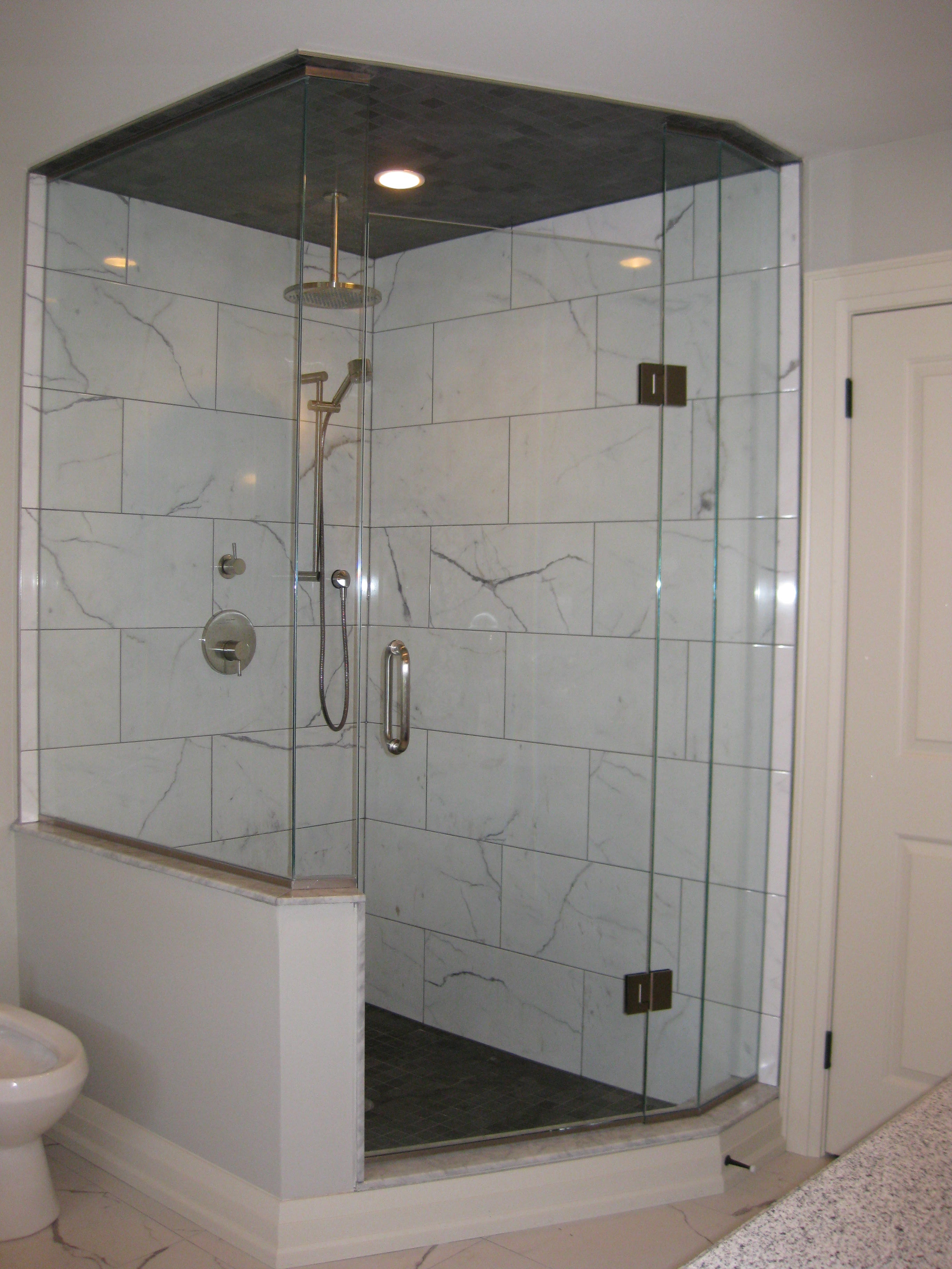 Neo-angle hybrid glass shower