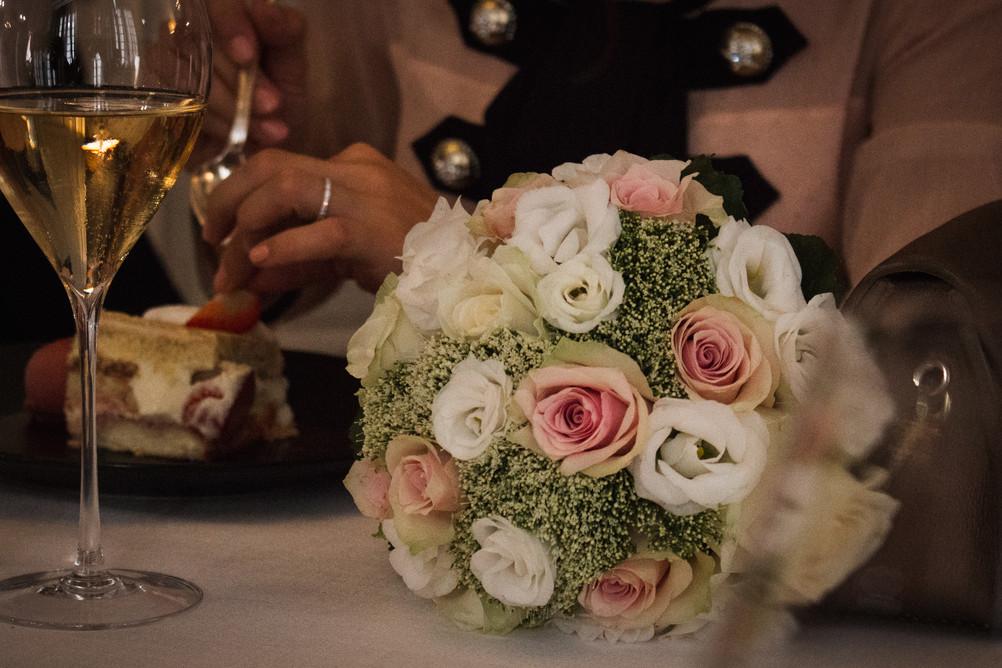 Wedding details, bride