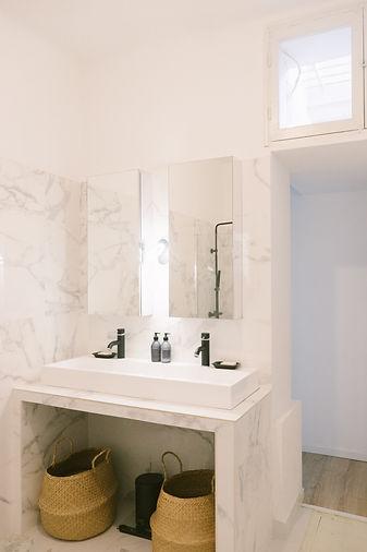 salle-de-bain-architecte-blanc.jpg