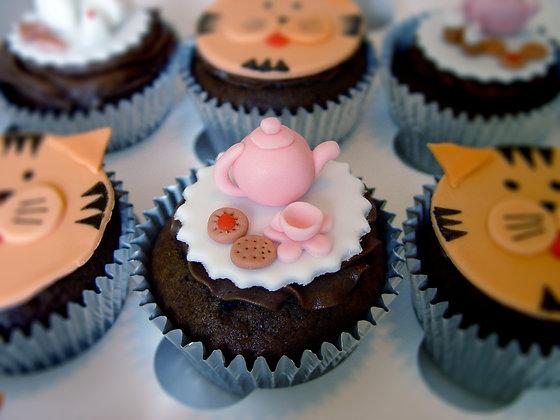 6 Tiger Tea Cupcakes