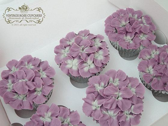 6 Vintage Hydrangea Cupcakes