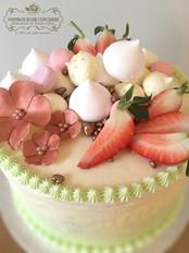 fruit and meringue buttercream cake
