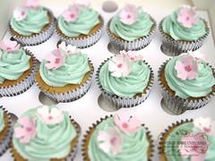 Blossom cupcake cakes