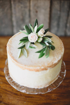 Semi naked single tier cake