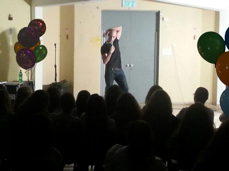 מוטי אהרונוביץ יום הולדת , סטנדאפ ימי הולדת.jpg