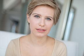 Emma Wisniewski Headshot 4.jpg