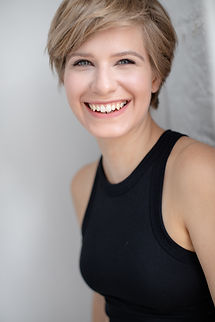 Emma Wisniewski Headshot 6.jpg