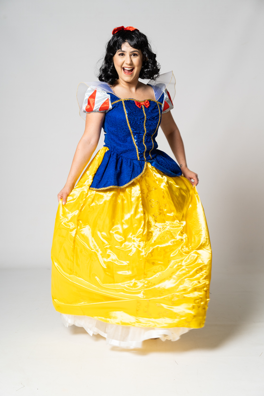 Snow White party entertainer