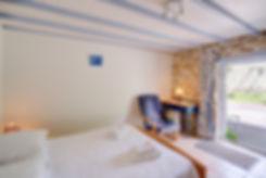 2-chambres-Penty-cour-avec balançoire-9.