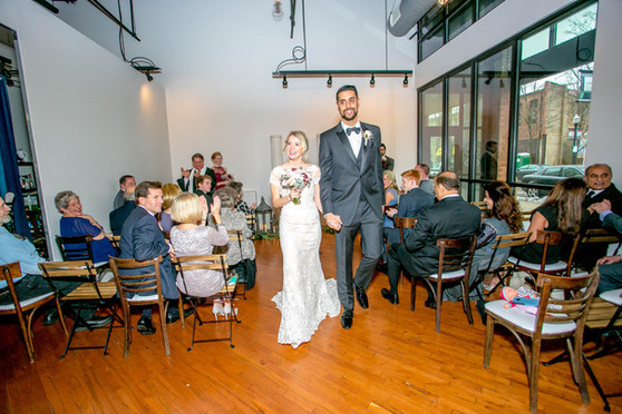 tiny-wedding-at-loft-of-elements-preserv