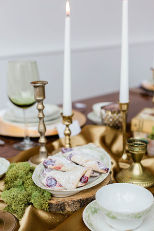 brass-candleholders-table-display