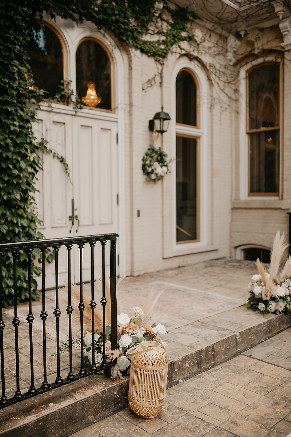 Vintage painted brick at Villa Filomena, Milwaukee, WI offers a beautiful location for vintage-inspired weddings
