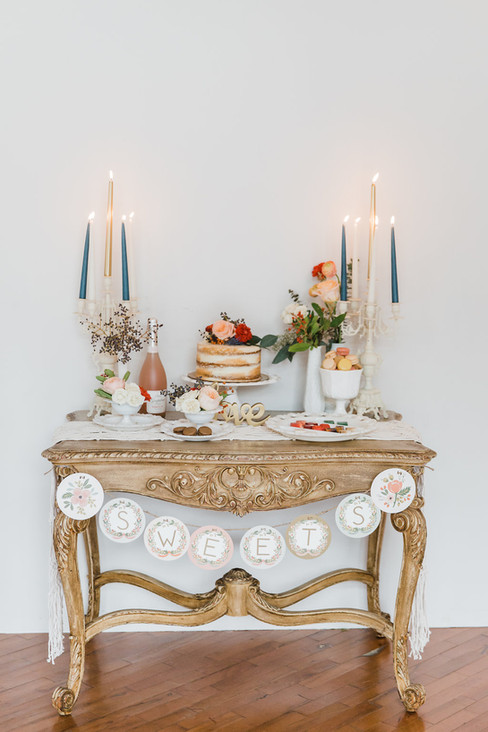 Vintage-French-sweets-table-display