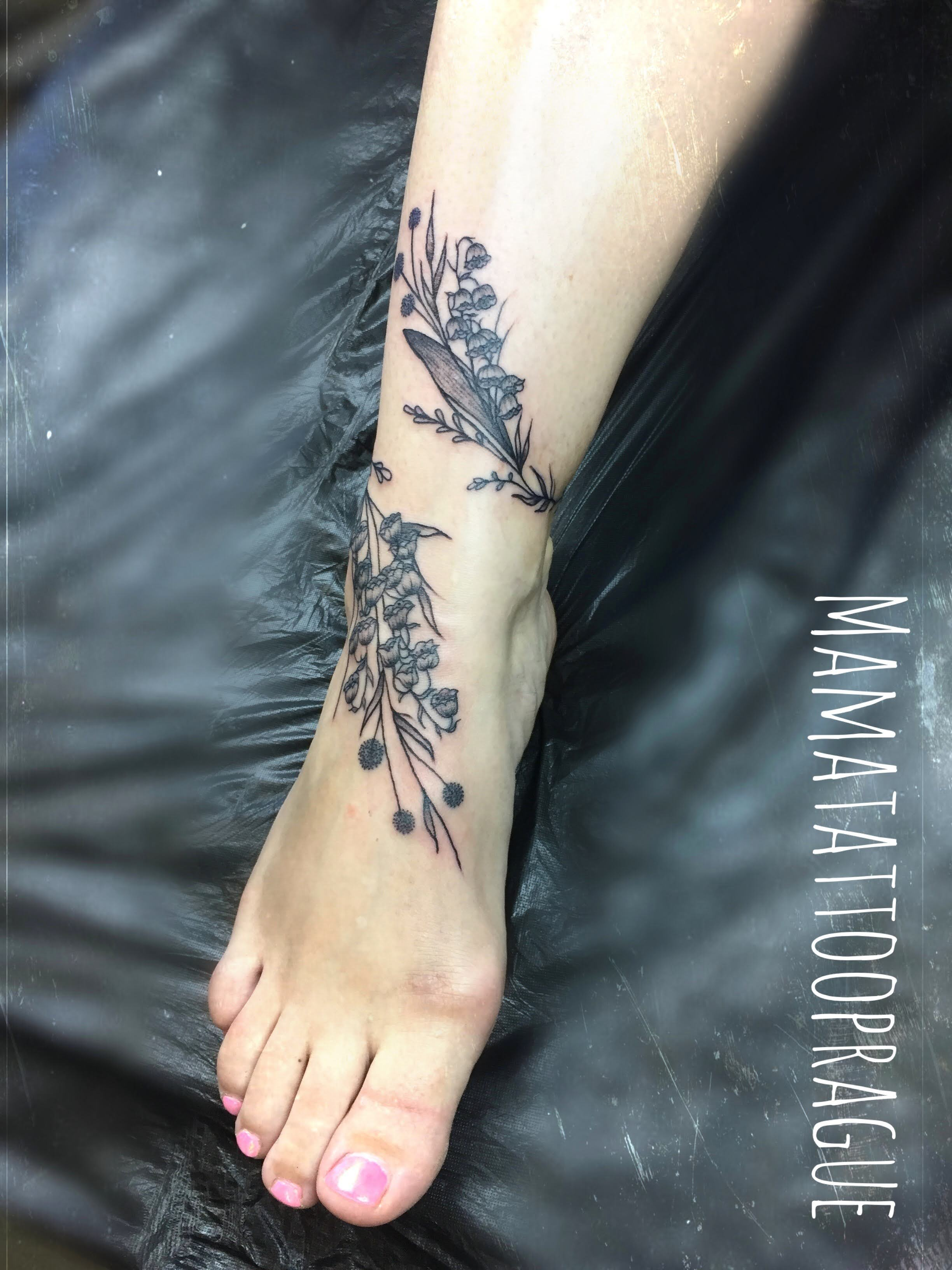 flower bracelet tattoo