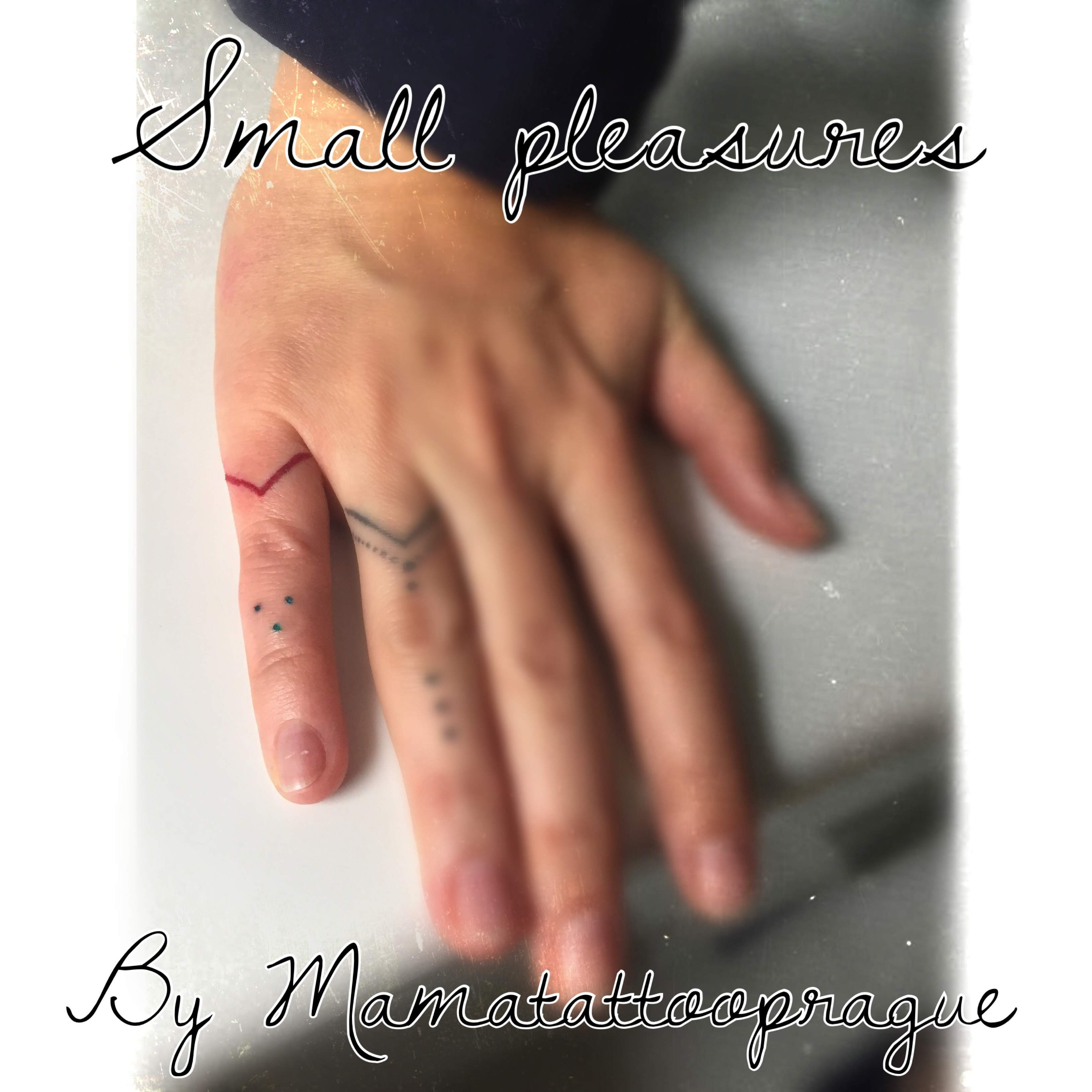 tattoo prstynky