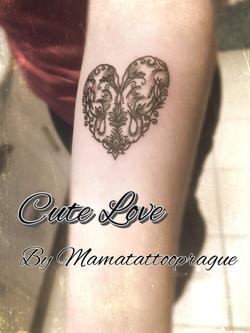 tetovani sloni laska
