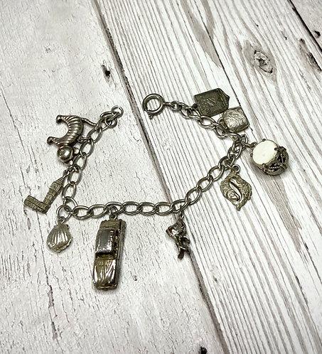 Amazing 60s/70s Vintage Charm Bracelet
