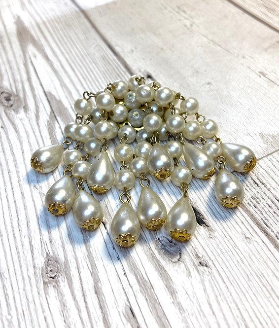 1960s Vintage Pearl Drop Brooch