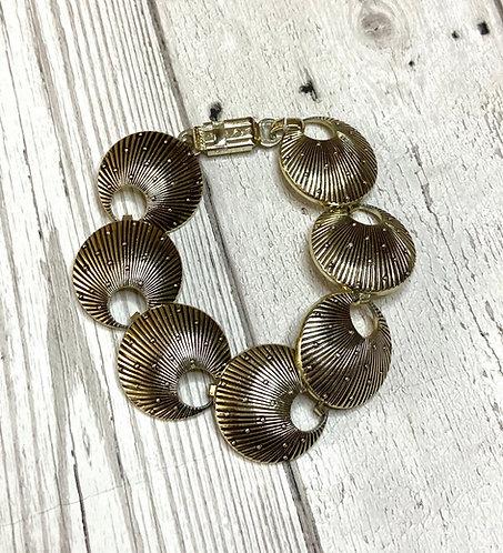 1970s Vintage Goldtone Shell Link Bracelet