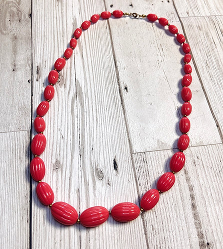 1960s Vintage Coral Pink Textured Beaded Necklace