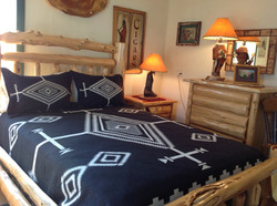 COUNTRY BLANKETS AND QUILTS.