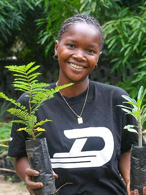 Madagascar_2013_Mamatiana%20holding%20se