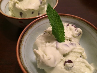 Healthy Mint Chocolate Chip Ice Cream ......whaaaaaaaat?