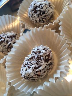 Ginger Macadamia Nut Energy Balls