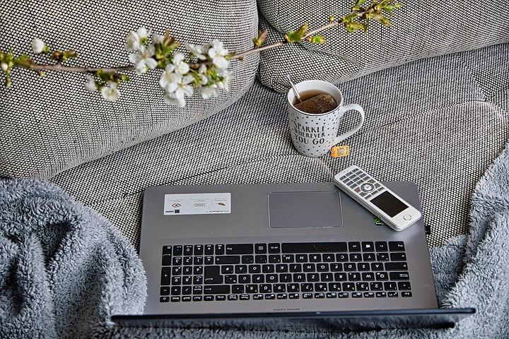 home-office-4980353_1920.jpg
