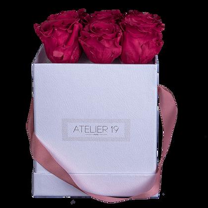 9 Roses Eternelles Carmin Intense - Box carrée Blanche