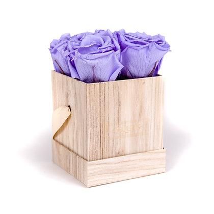 4 Roses Eternelles Parme Doux - Box carrée  Bois Clair