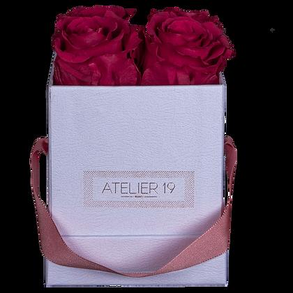 CLASSIC 4 ETERNAL ROSES - INTENSE CARMINE - WHITE SQUARE BOX
