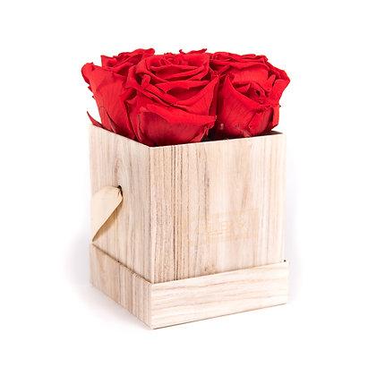 4 Roses Eternelles Rouge Passion - Box carrée  Bois Clair