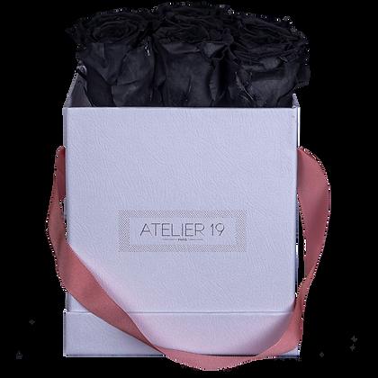 9 Roses Eternelles Noir Profond - Box carrée Blanche
