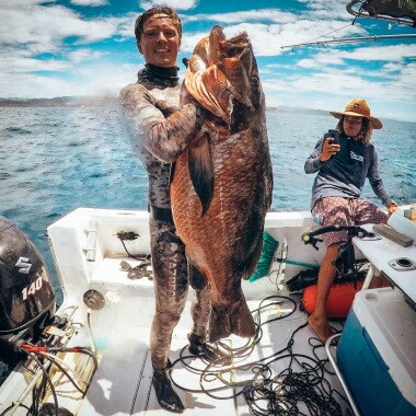 spearfishing-cubera-snapper-in-playa-garza-nosara-costa-rica-viberts-secret-spot
