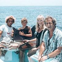 Mel Gibson & Familiy catching & releasin