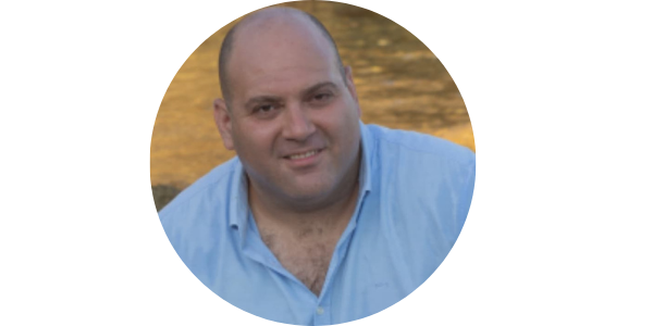 Insurance agent, Moshe Pergamenikov