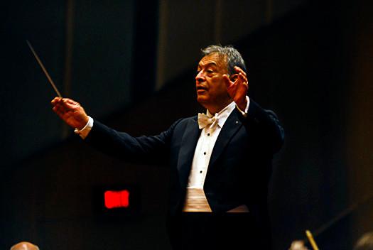 Zubin Mehta conducting the Israeli Philharmonic Orchestra